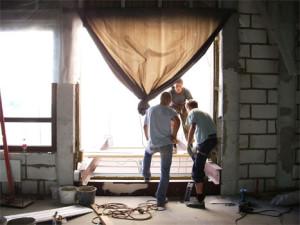 Установка (строительство) и балконов и лоджий
